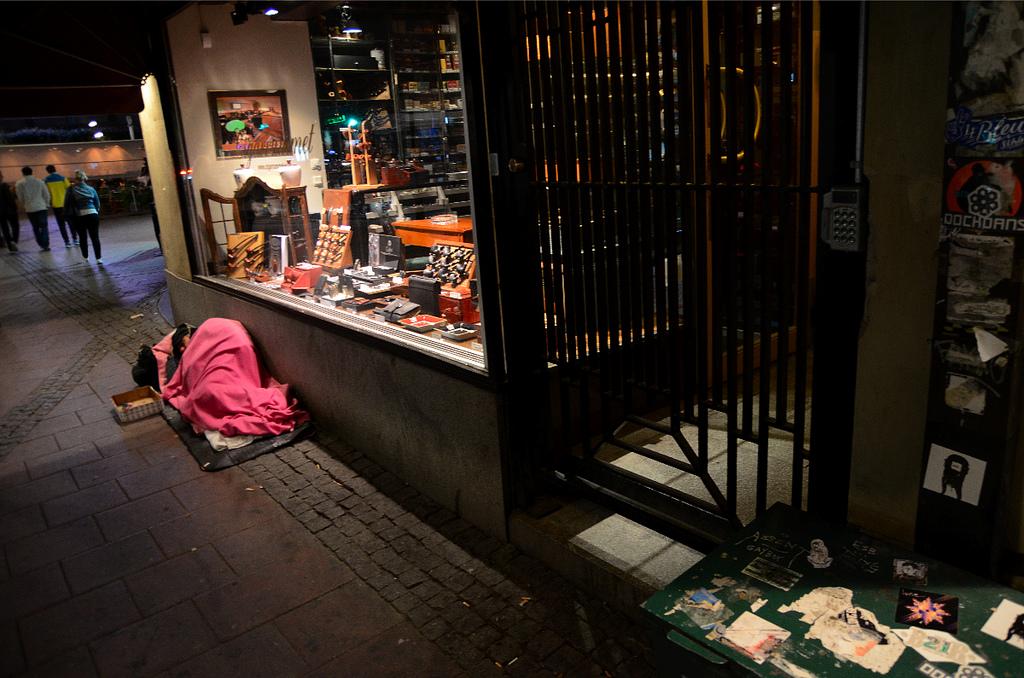 Sans abri en France aides et solidarité Le Carillon