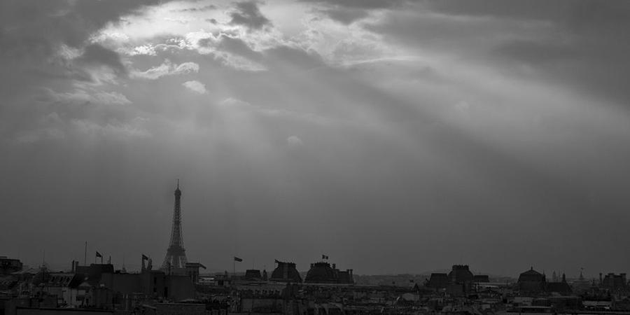 Livraison de plats à Paris, l'impact des attentats sur l'économie, start-ups européennes… L'actu biz du lundi 16 novembre