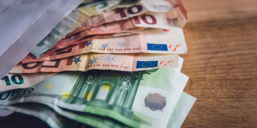 Drone monétaire: verser 140 euros à chaque citoyen pour relancer l'activité économique en Europe