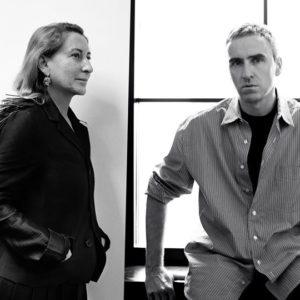 Prada: le designer Raf Simons recruté pour rajeunir la marque
